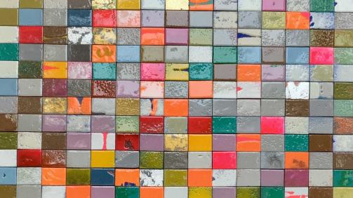 """""""Die Alchemie der Farben"""" - Schwämme, Acryl, Kunstharz in Schattenfuge 142x122 cm, 2020 - 4.650 €"""